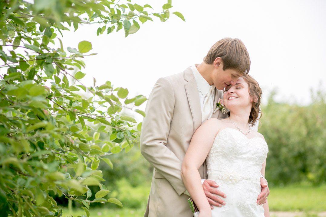 Stunning Ferguson S Orchard Eau Claire Wedding Brooke Mike Christy Janeczko Photography