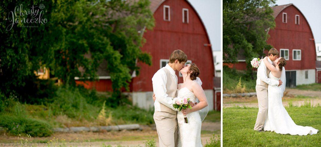 Stunning ferguson 39 s orchard eau claire wedding brooke for Wedding dresses eau claire wi