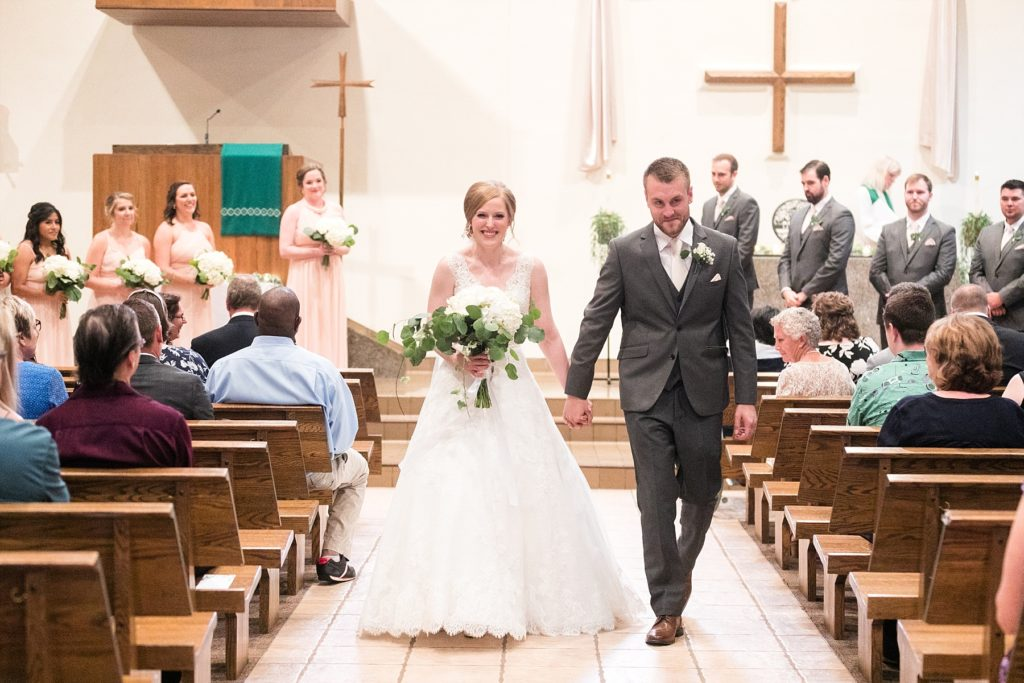 couple recessional at Hope Lutheran Church in Eau Claire