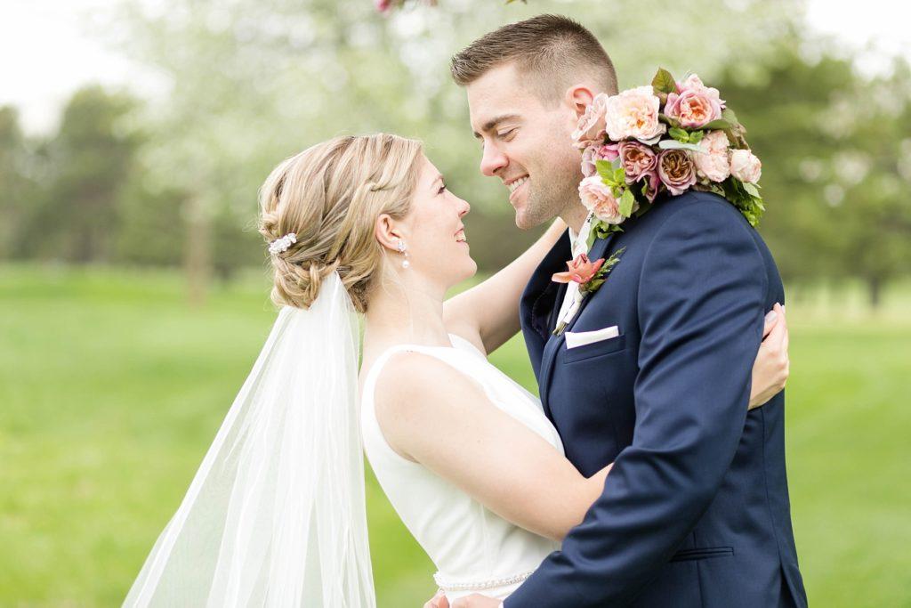 spring wedding in Rice Lake, WI at Turtleback Golf