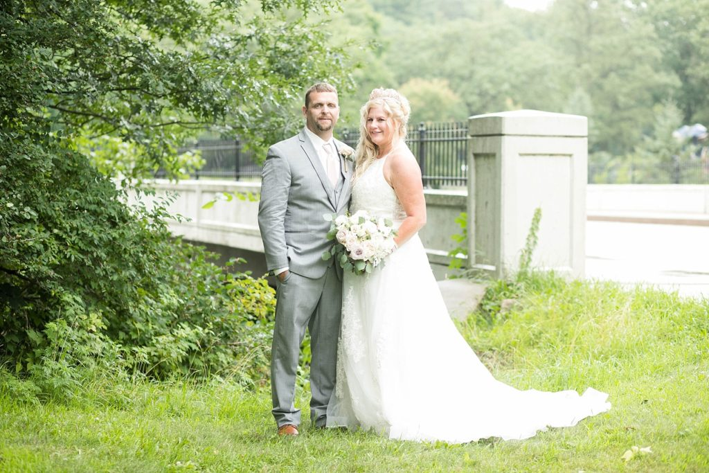 couples wedding photos at Irvine Park in Chippewa Falls